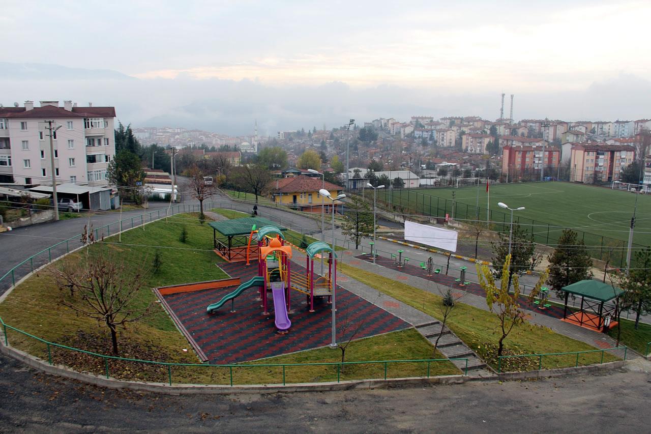 5000 Evler 75. Yıl Mh. Elit Market Yanı Park