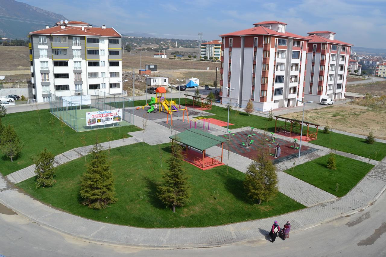 Belediye Evleri Parkı (5000 Evler Bahçelievler Mh. 118. Sokak)