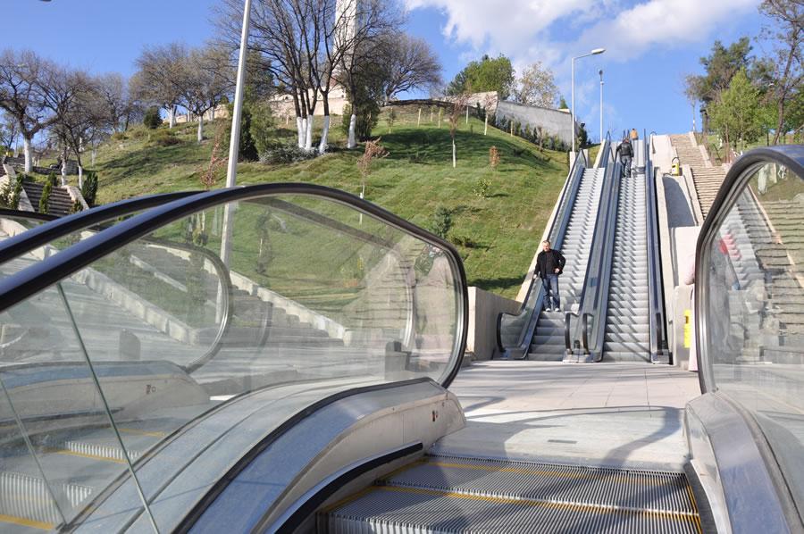 Yenişehir Mahallesi Yürüyen Merdivenler