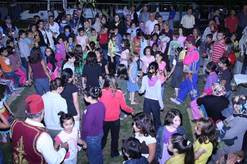 Kayabaşı Mahallesi Şair İbrahim Yıldız Parkı´nda Ramazan Ay´ı Etkinlikleri (2009)