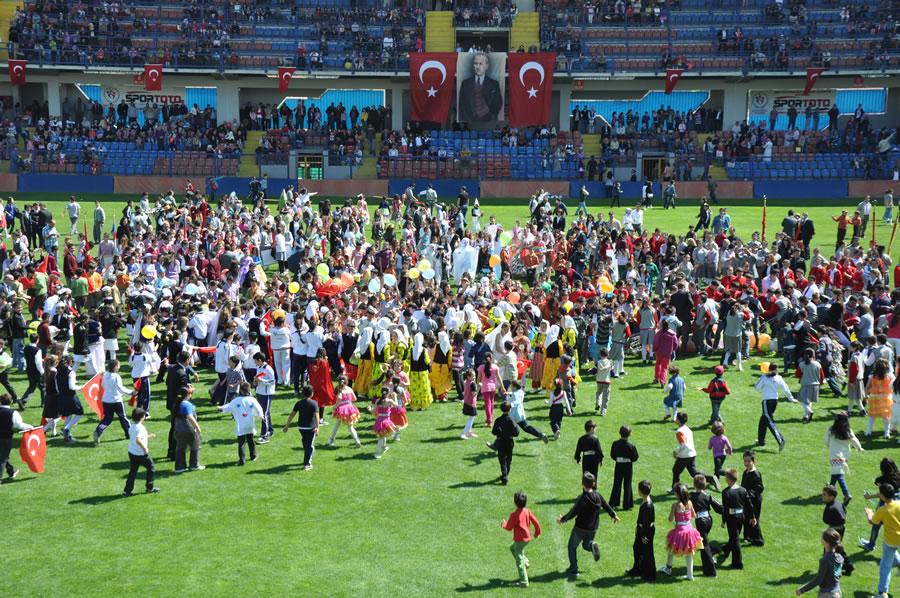23 Nisan Ulusal Egemenlik ve Çocuk Bayramı (2012)