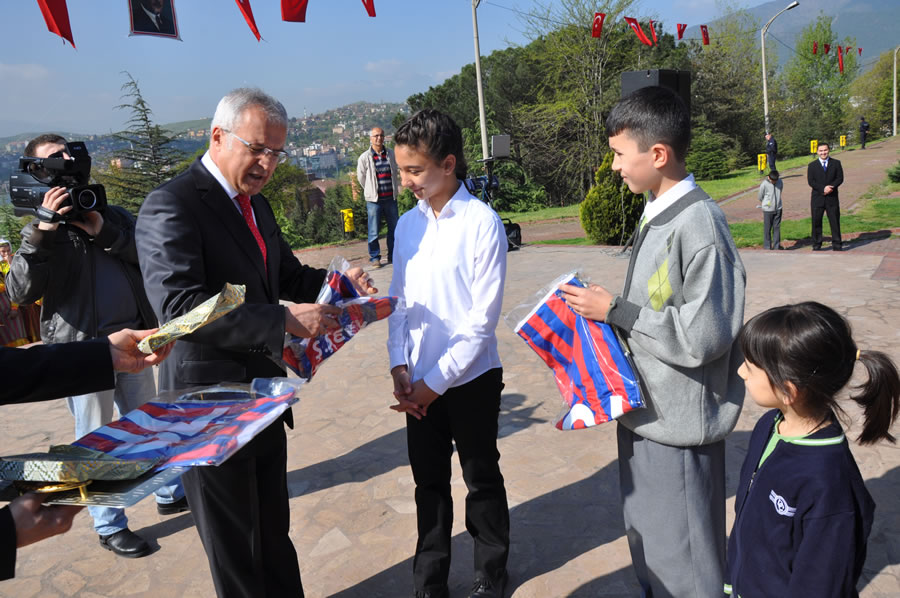 23 Nisan Ulusal Egemenlik ve Çocuk Bayramı (2013)