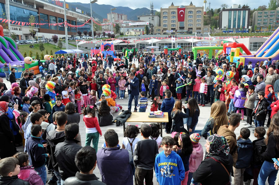 23 Nisan Ulusal Egemenlik ve Çocuk Bayramı (2015)