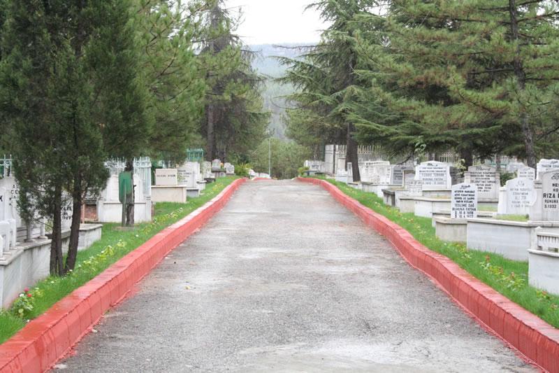 Öğlebeli Mezarlığı
