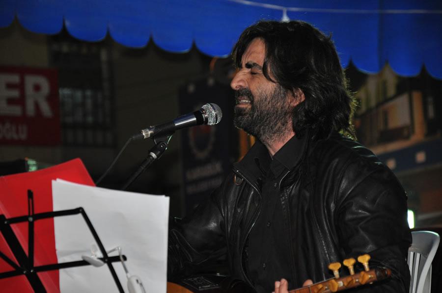 Hürriyet Caddesi Aysun Töngür Aytimur, Güner Erkan Birkan ve Grup ARTE Konseri