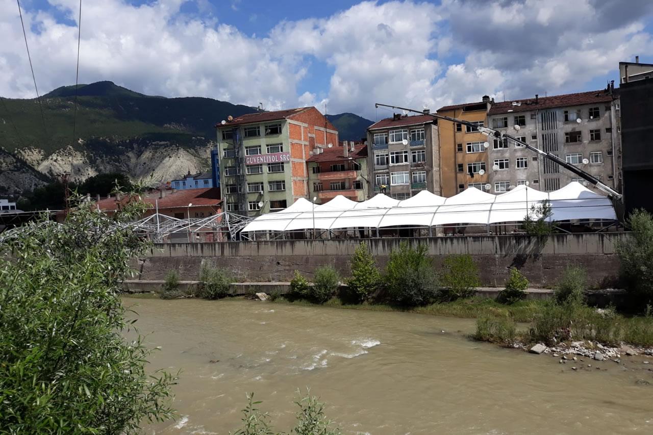 Karabük Belediyesi Yeşil Mahalle ve Cuma Pazarı Kapalı Pazar Yerlerindeki Çalışmalarını Sürdürüyor