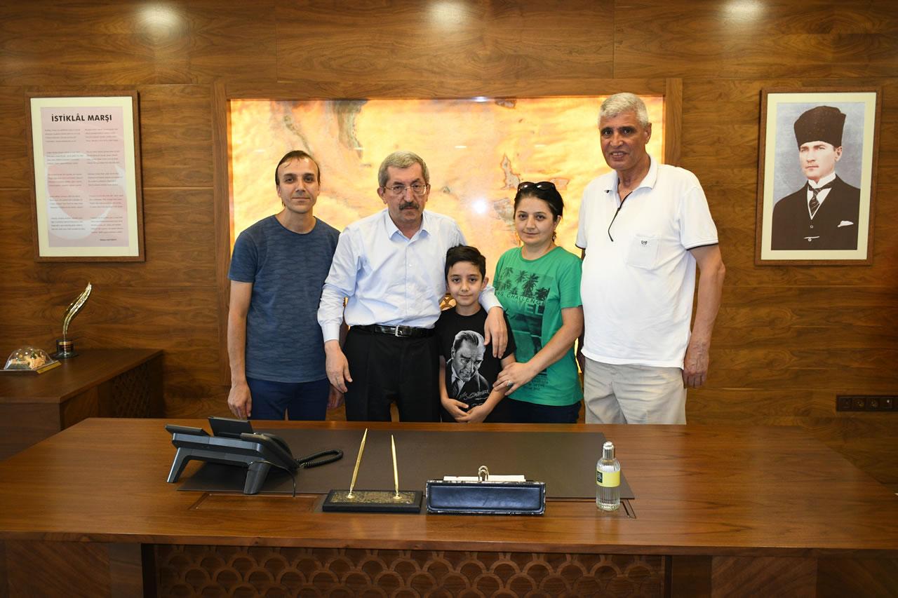 Küçük Batuhan'dan Başkan Vergili'ye Ziyaret