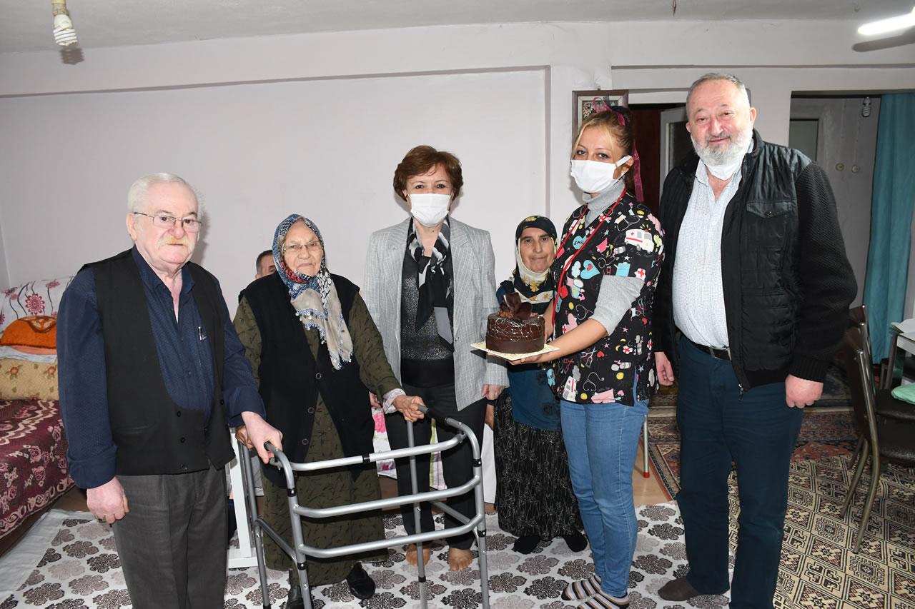 Dünya Yaşlılar Gününde Kıymetli Büyüklerimizi Ziyaret Ettik