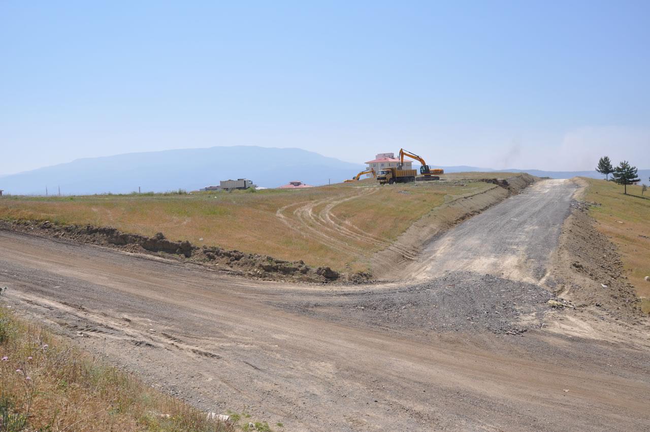 Karabük Belediyesi Yeni Yollar Açmaya Devam Ediyor