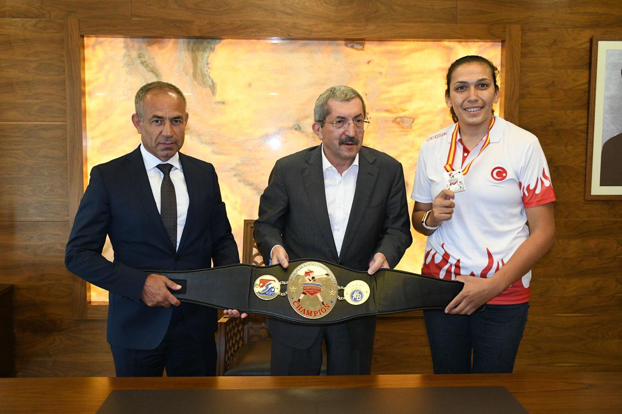Avrupa Şampiyonu Güneri´den Başkan Vergili´ye Ziyaret
