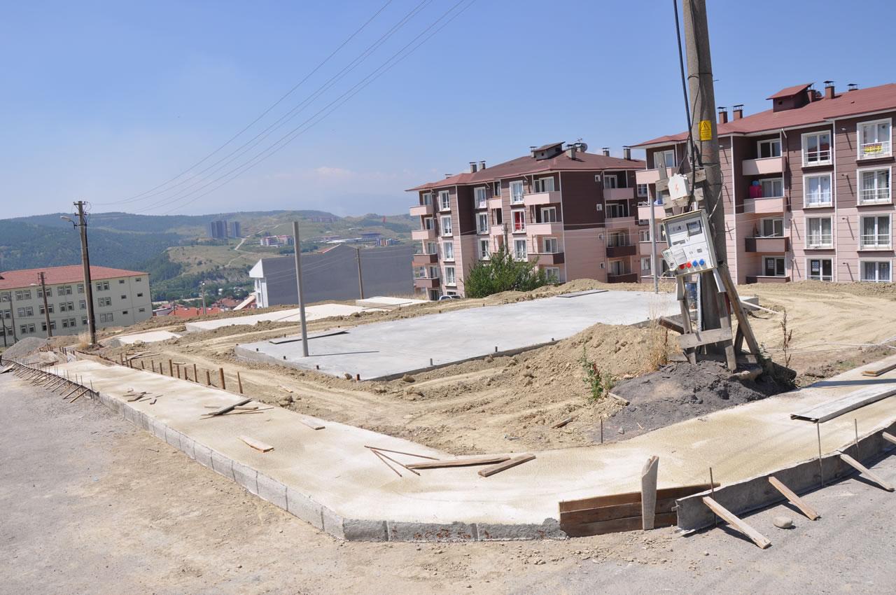 Karabük Belediyesi Mahallelere Yeni Parklar Kazandırıyor