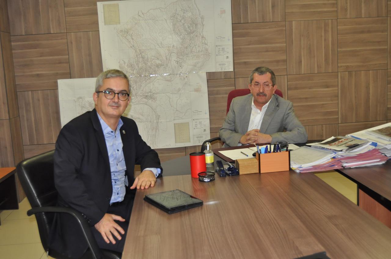 Çevre ve Şehircilik Bakan Yardımcısı Mehmet Ceylan ve Kardemir Genel Müdürü Ercüment Ünal Başkan Vergili ile Görüştü