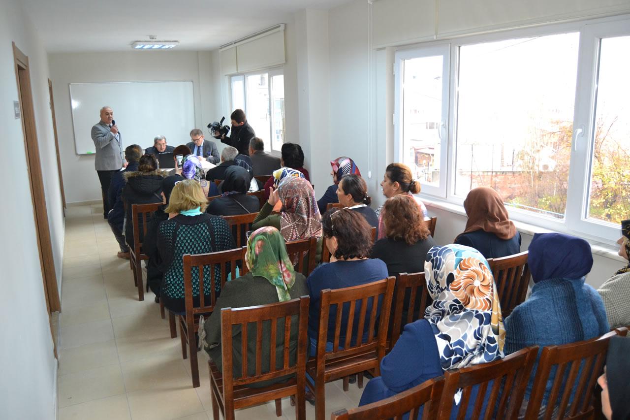 Gezici Başkanlık Ofisi Uygulaması Kartaltepe Mahallesi ile Devam Etti