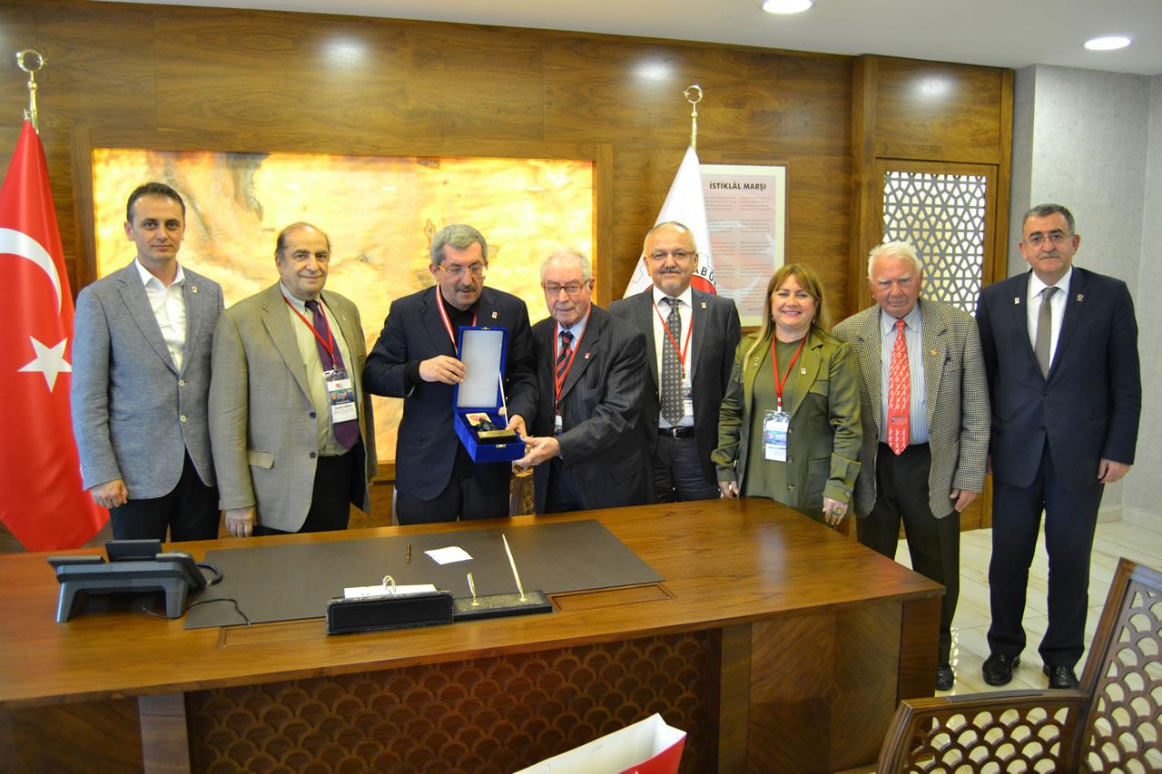 Türkiye Milli Olimpiyat Komitesinden (TMOK) Başkan Vergili'ye Ziyaret