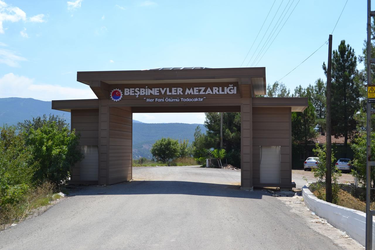 Karabük Belediyesinden Mezarlıklara Anıtsal Giriş Kapı