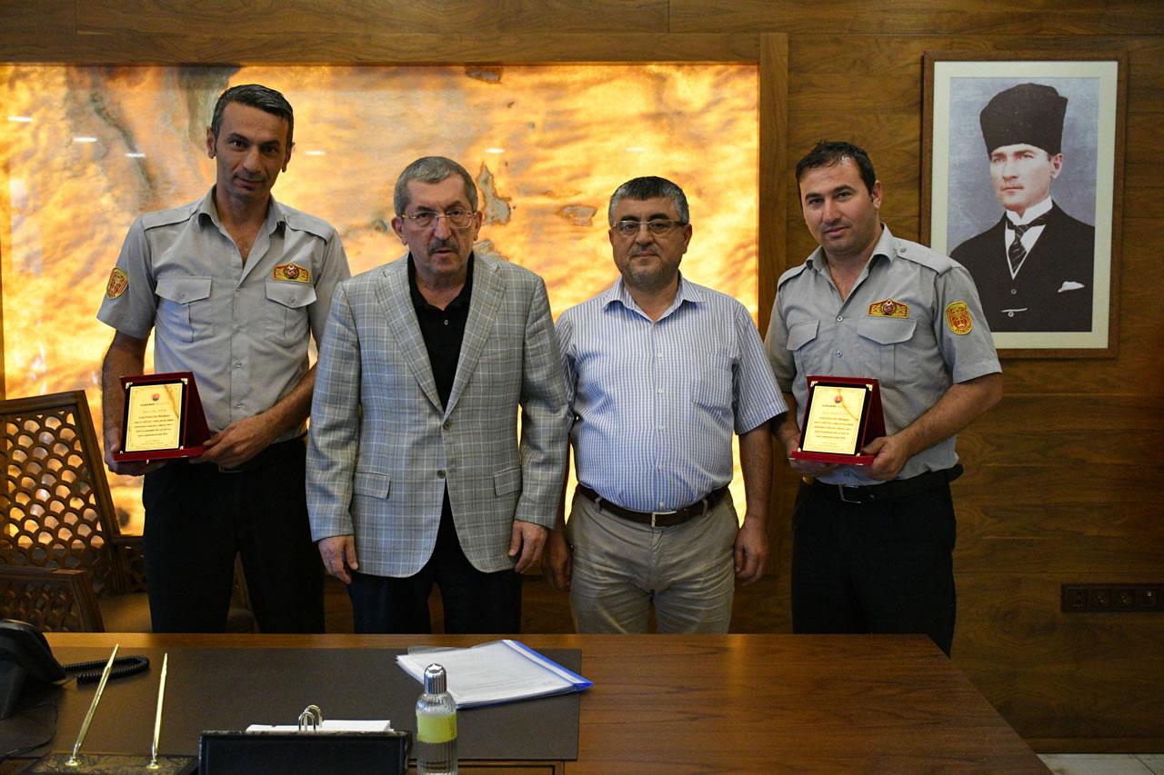 Başkan Vergili Kahraman İtfaiyecileri Makamında Tebrik Etti