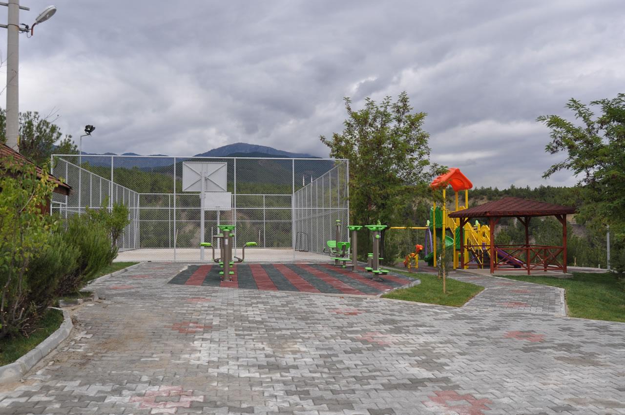Şirinevler Mahallesi Villa Panorama Parkı Açılışa Hazır