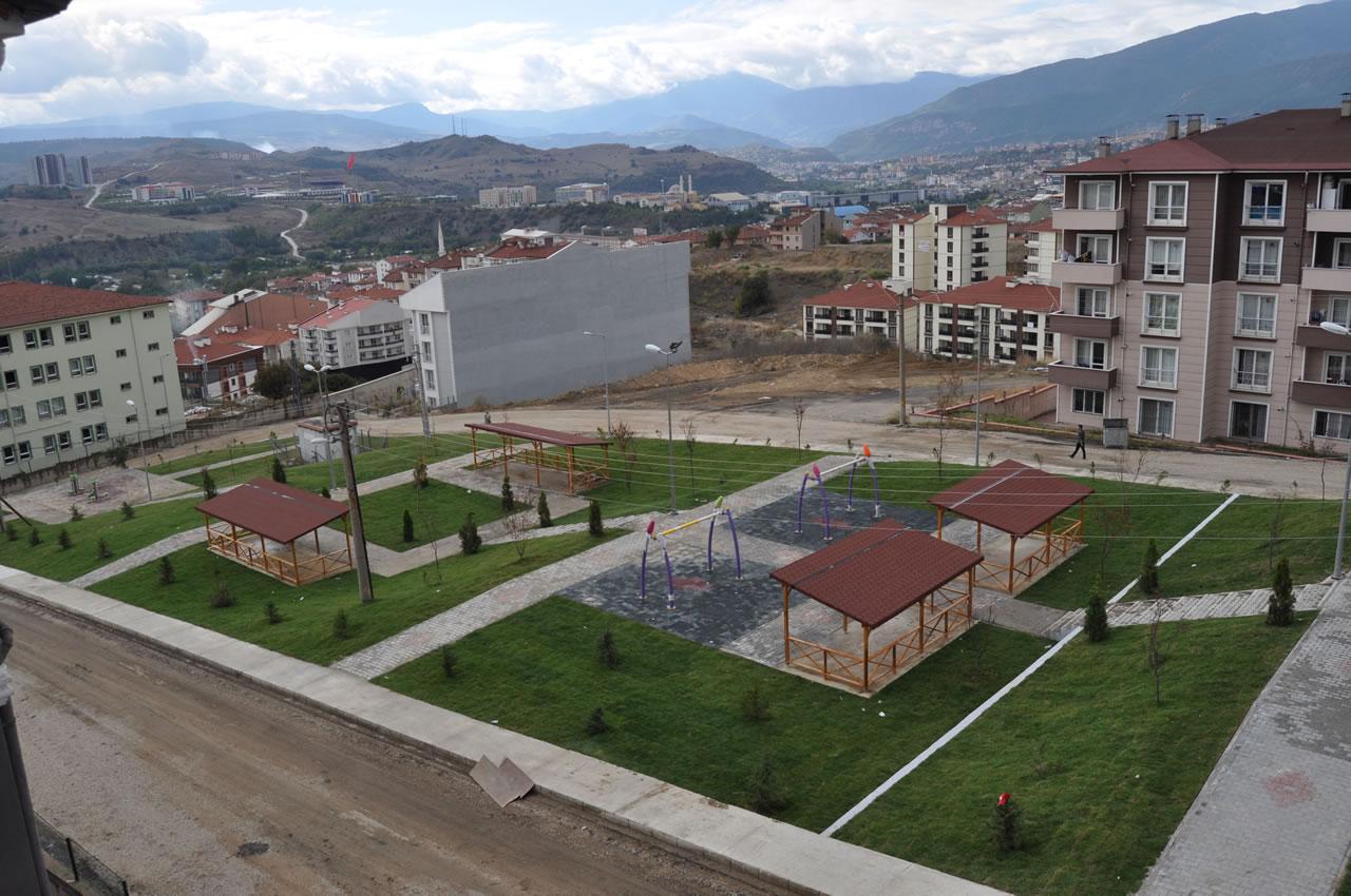 100. Yıl Mahallesi Parkı Açılışa Hazır