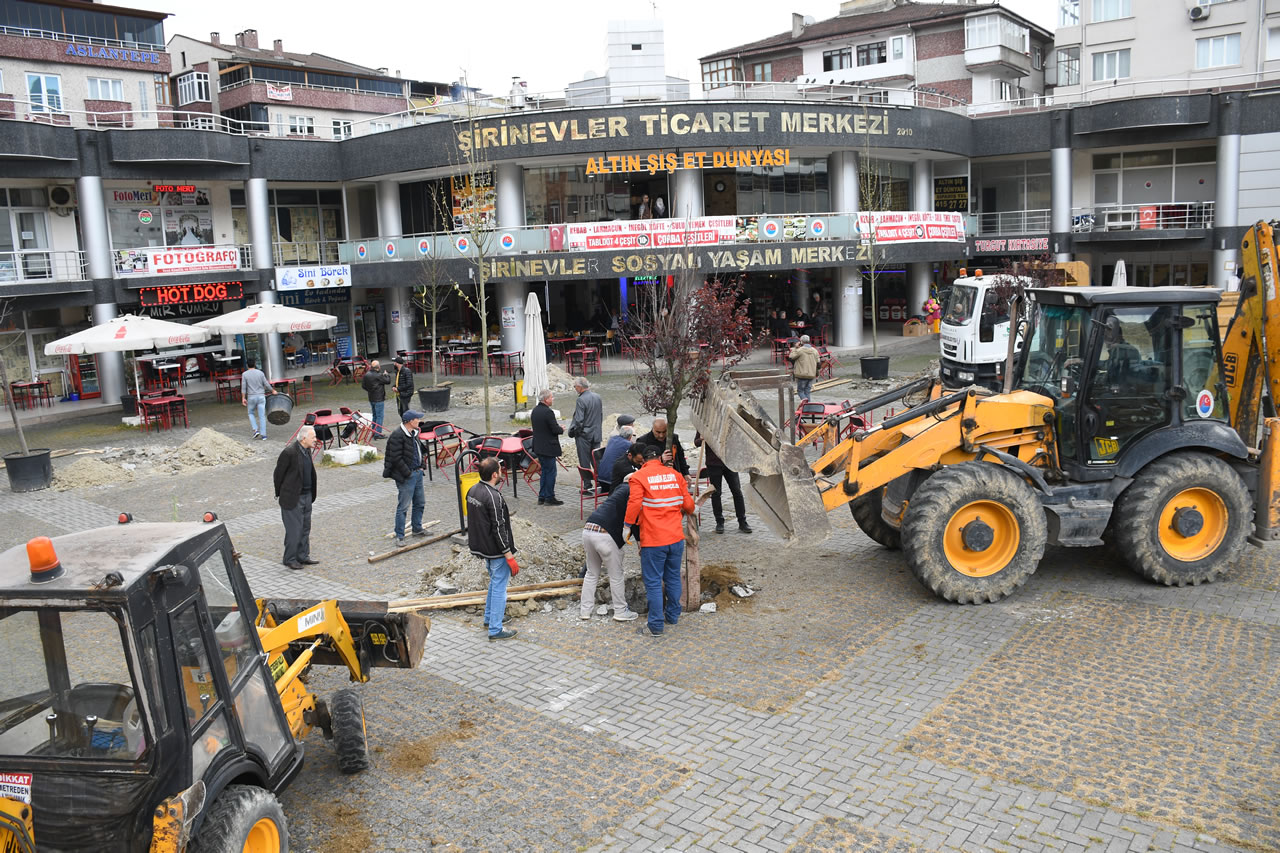 Şirinevler Ticaret Merkezi Ağaçlandırılıyor