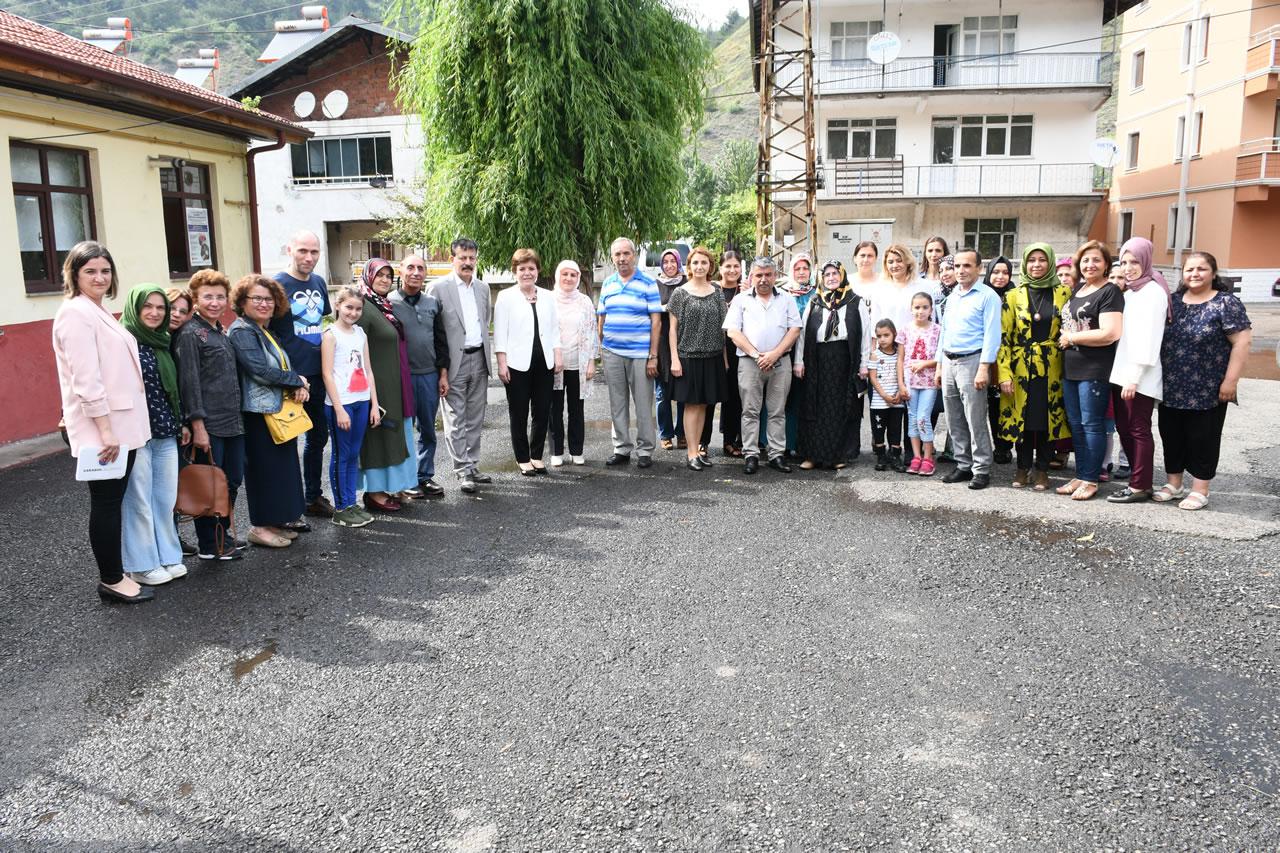 Fatih Mahallesi SYM Kursiyerlerine Sertifikaları Verildi