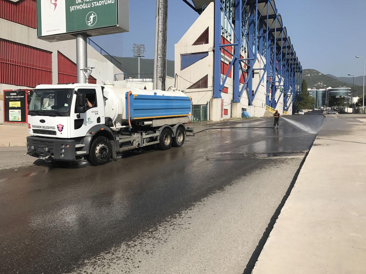 Karabük Genelinde Yollar Tazyikli Suyla Yıkanarak Tozdan Arındırılmış Oluyor