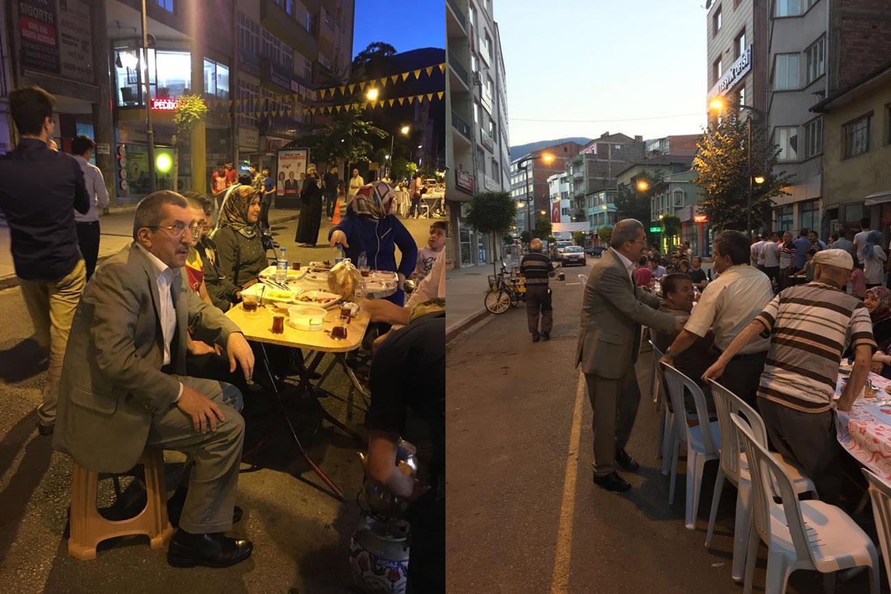 Başkan Vergili, Gazipaşa Caddesinde Düzenlenen İftar Yemeğine Katıldı