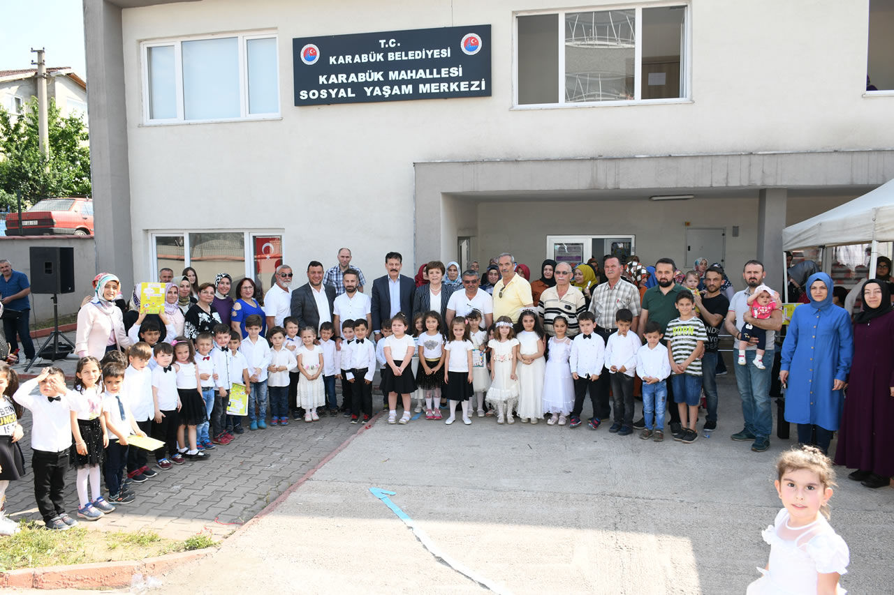 Karabük Mahallesi SYM Kursiyerlerine Sertifikaları Verildi