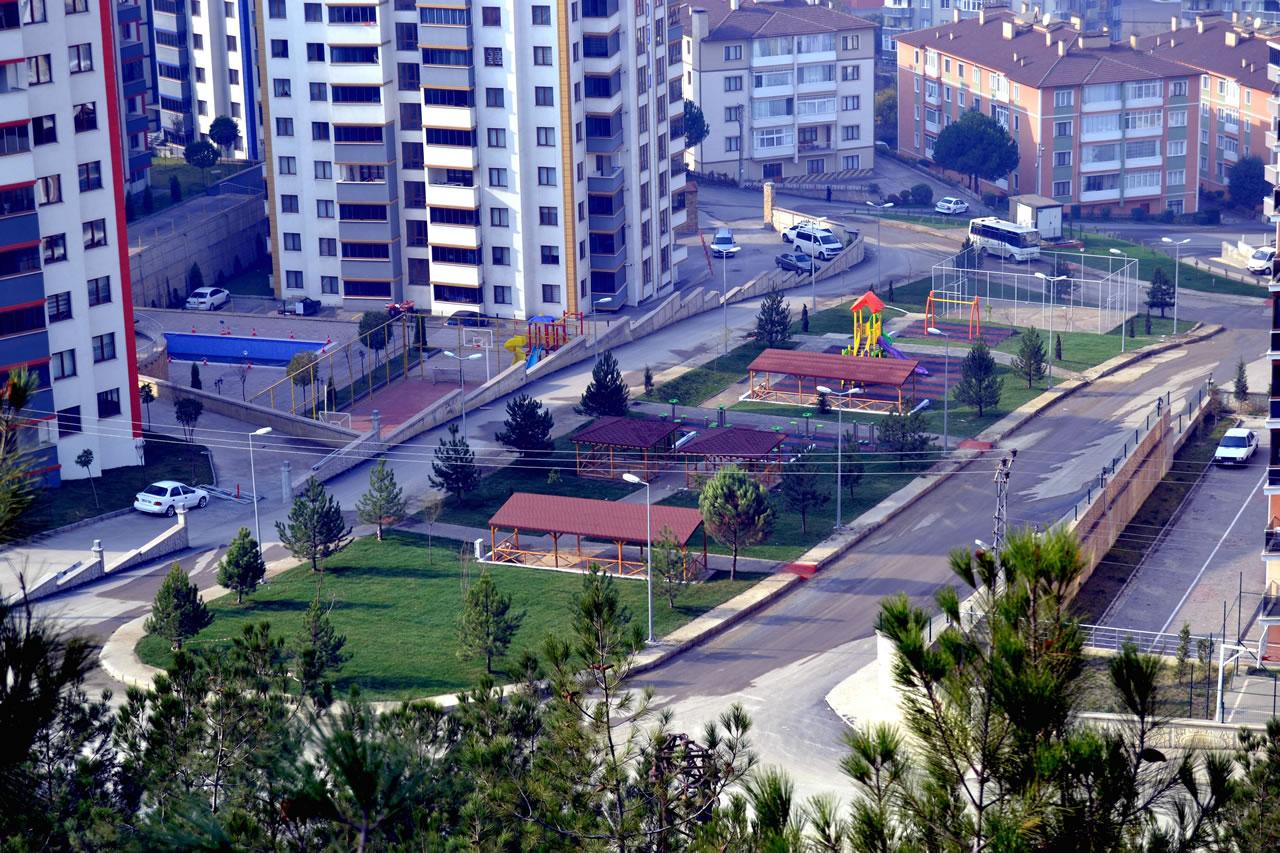 Aydınlıkevler Mahallesi Parkı Açılışa Hazır