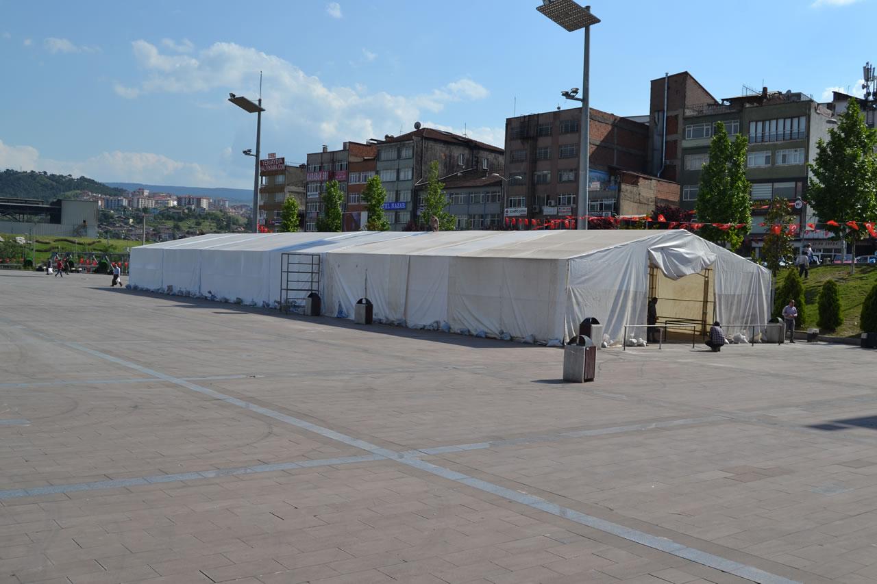 Ramazan Çadırı Kent Meydanında Kuruldu
