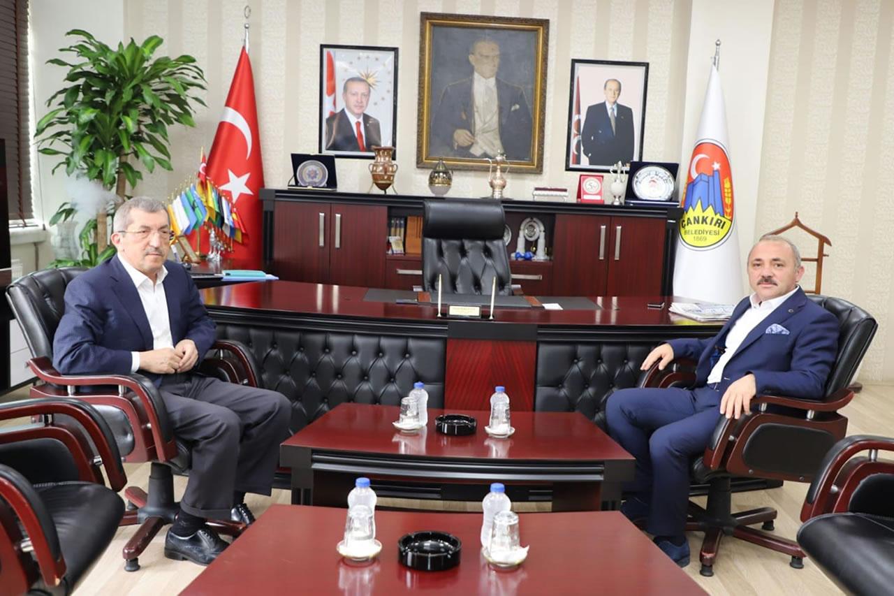 Başkan Vergili´den Çankırı Belediye Başkanı Esen´e Ziyaret