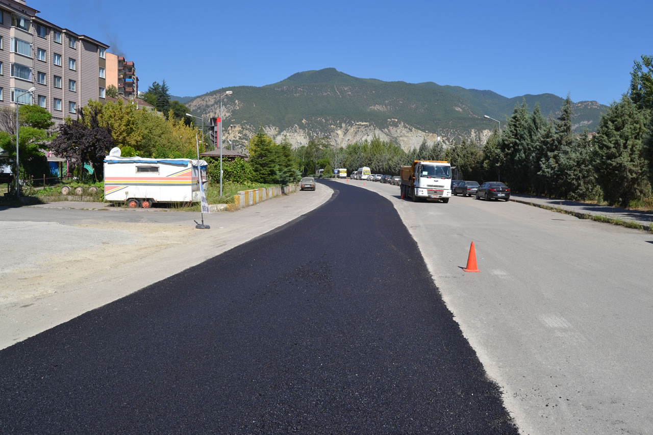 Karabük Belediyesi Asfalt Çalışmalarına Devam Ediyor