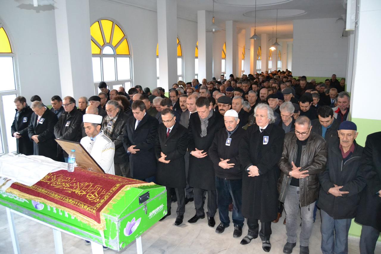 Karabük´ün Değerli Çınarı Eczacı Hikmet Derman Şeyhoğlu Defnedildi