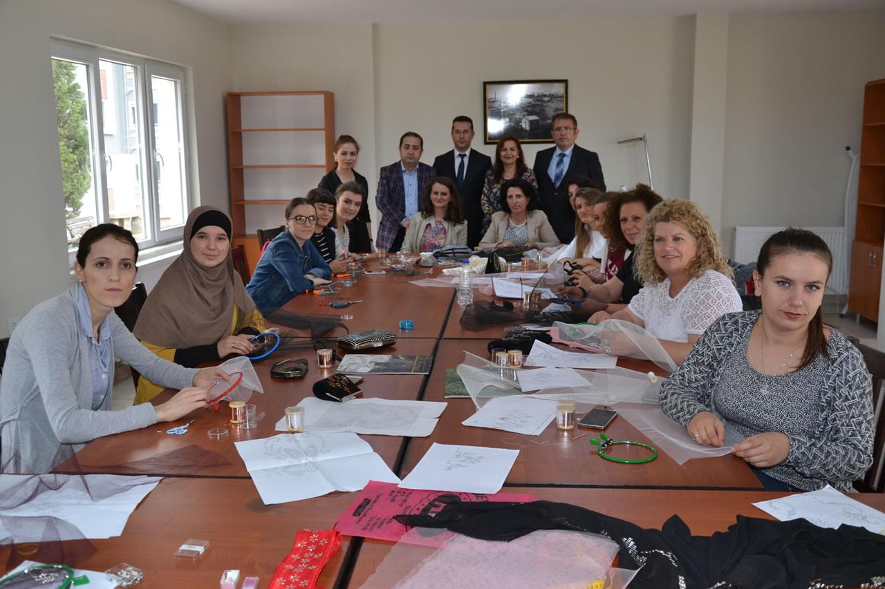 Kosovalı Kadınlara Türk El Sanatları Eğitimi