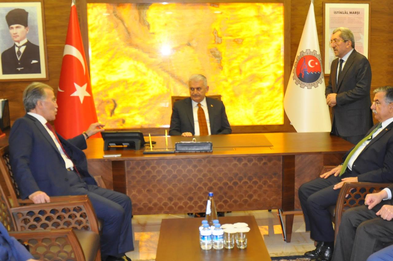 Başbakan Binali Yıldırım´dan Başkan Vergili´ye Makamında Ziyaret