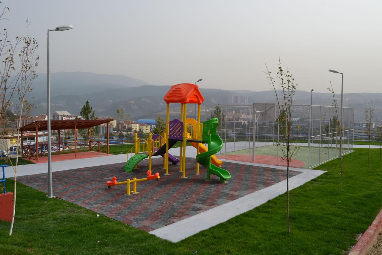 Üniversite Mahallesi Parkı Açılışa Hazır
