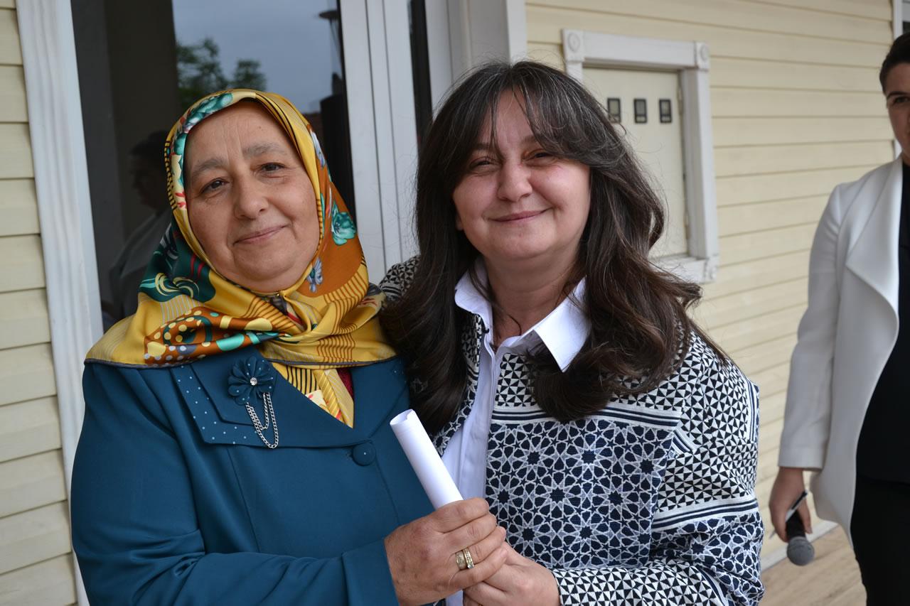Sosyal Yaşam Merkezlerinde 150 Kişi Okuma Yazma Öğrenerek Diplomasını Aldı