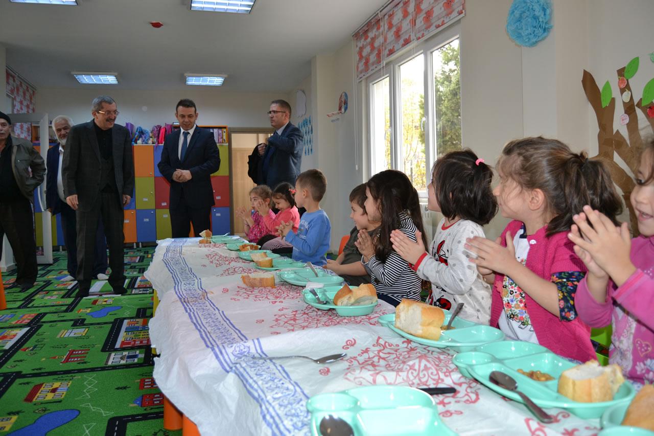 Karabük Belediye Başkanı Rafet Vergili´nin Karabük Mahallesi Sosyal Yaşam Merkezi´ndeki Kreş Ziyareti