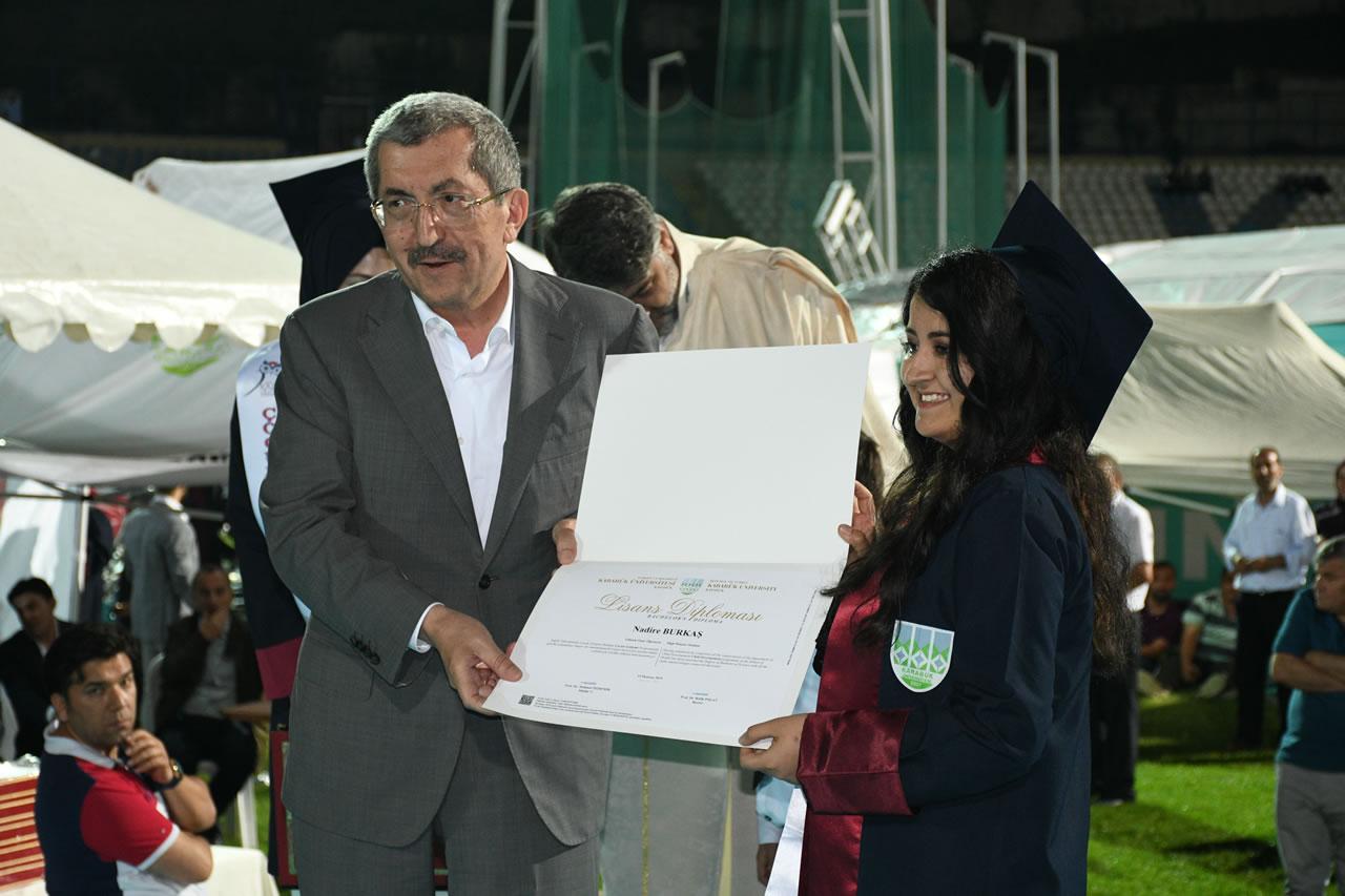 Başkan Vergili Karabük Üniversitesi  Mezuniyet Törenine Katıldı