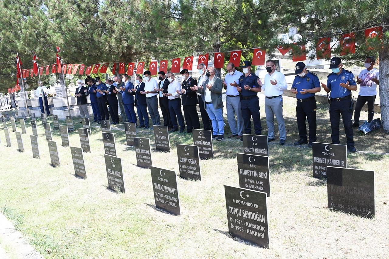Kurban Bayramı Arefesinde Şehitlik Ziyaret Edildi