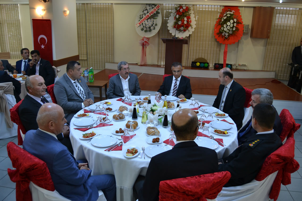 Başkan Vergili Muhtarlar Günü Yemeğine Katıldı