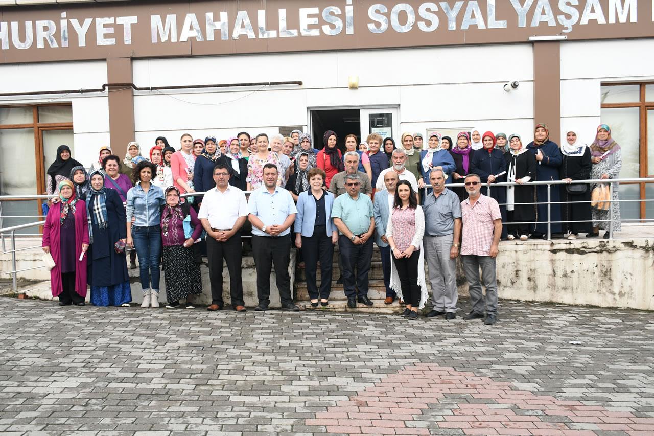 5000 Evler Cumhuriyet Mahallesi SYM Kursiyerlerine Sertifikaları Verildi