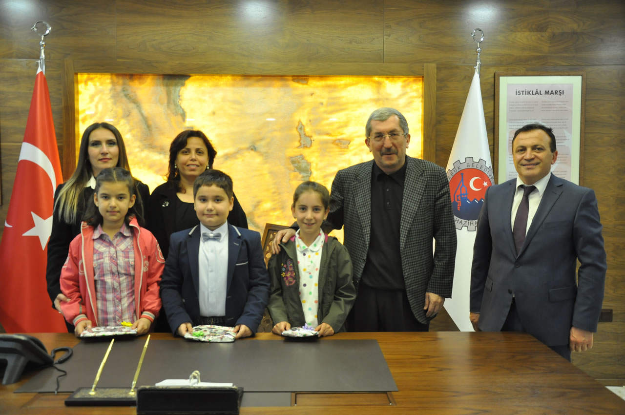 Belediye Başkanlık Makamına Efe Yılmaz Oturdu
