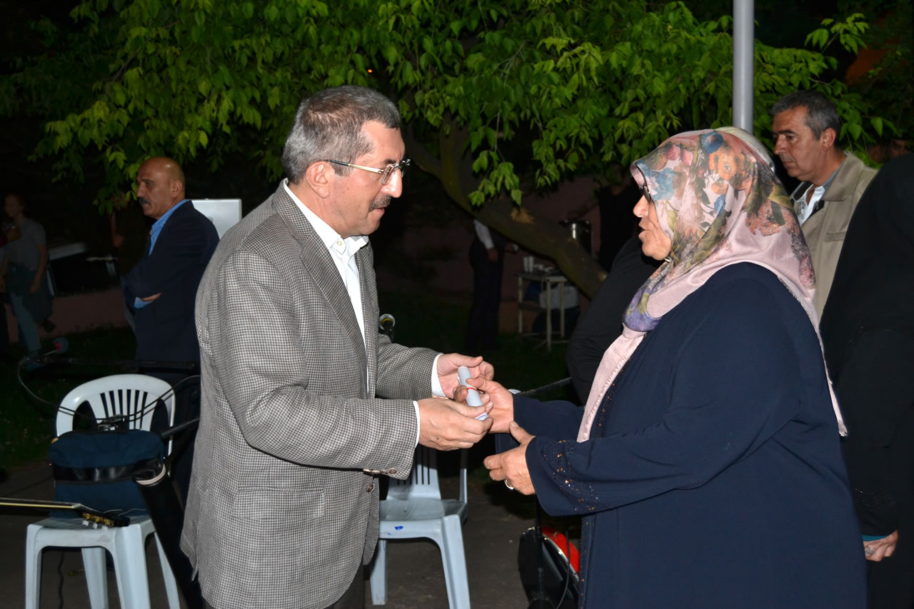 Ramazan Etkinliği Aydınlıkevler Mahallesi ile Devam Etti