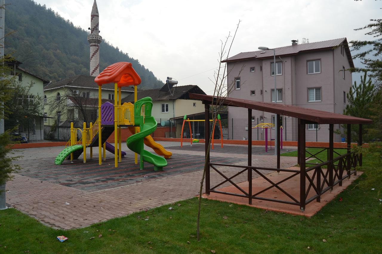 Fatih Mahallesi Parkı Açılışa Hazır
