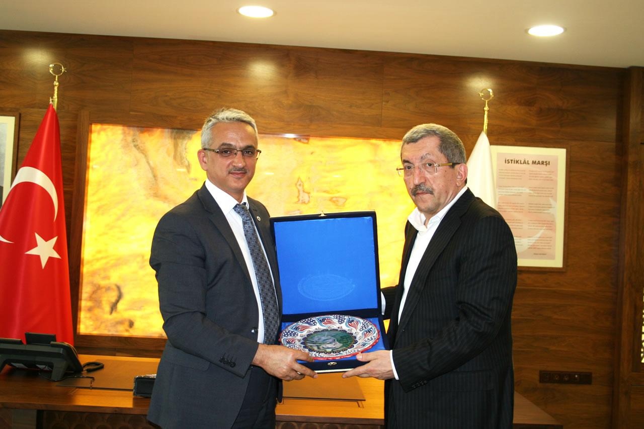 KBÜ Genel Sekreteri Lütfü Köm'den Başkan Vergili´ye Ziyaret