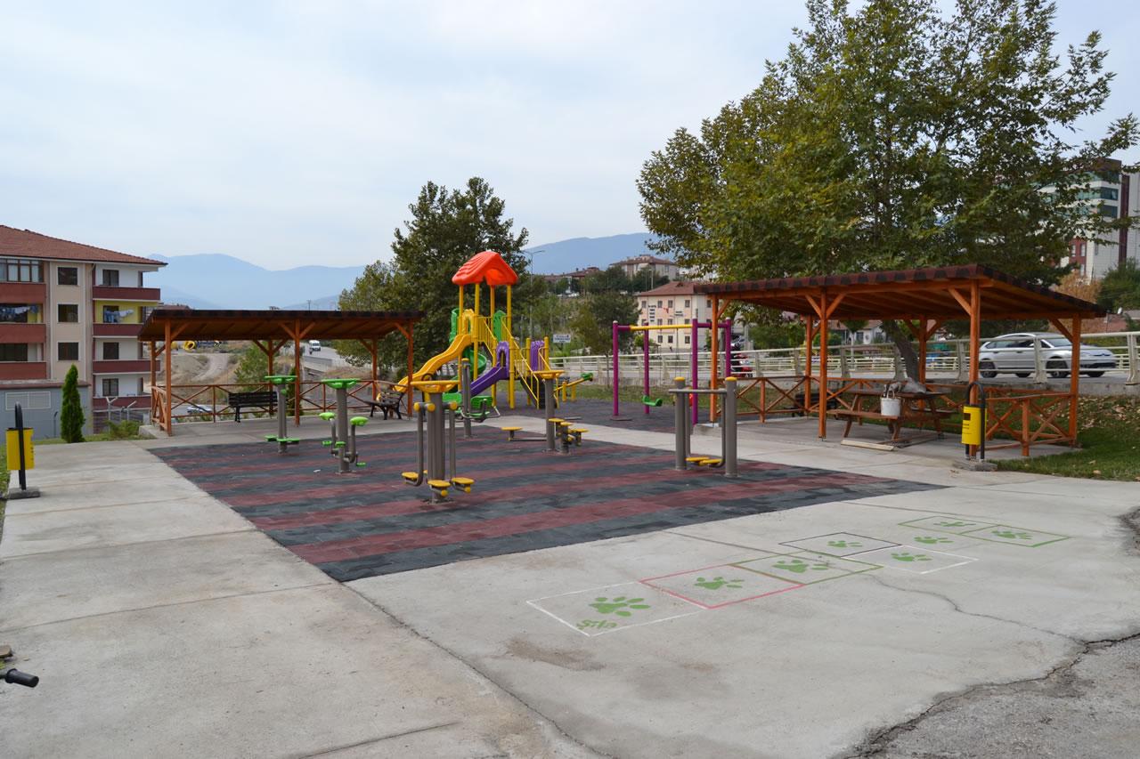 100. Yıl Mahallesi Park Açılışına Hazır
