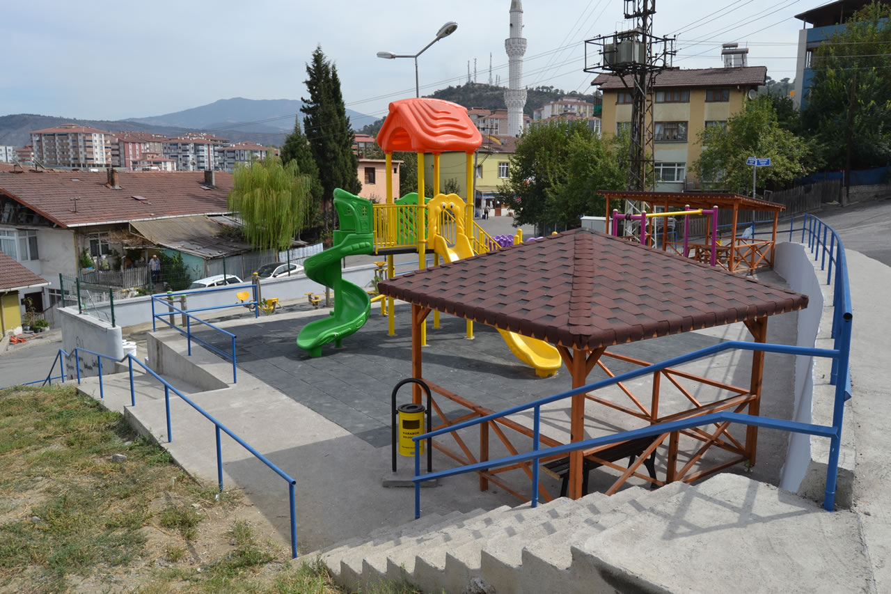 Fevzi Çakmak Mahallesi Bahattin Gazi Cami Karşısı Parkı Açılışa Hazır