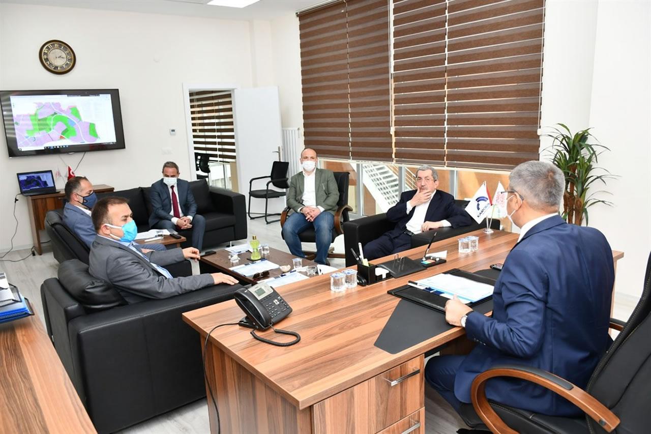 Karabük Organize Sanayi Bölgesi (KARORSAN) Yönetim Kurulu Toplantısı Vali Fuat Gürel Başkanlığında Yapıldı
