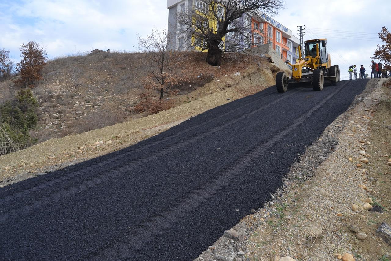 Karabük Belediyesi Yaz Kış Durmaksızın Çalışmalarına Devam Ediyor