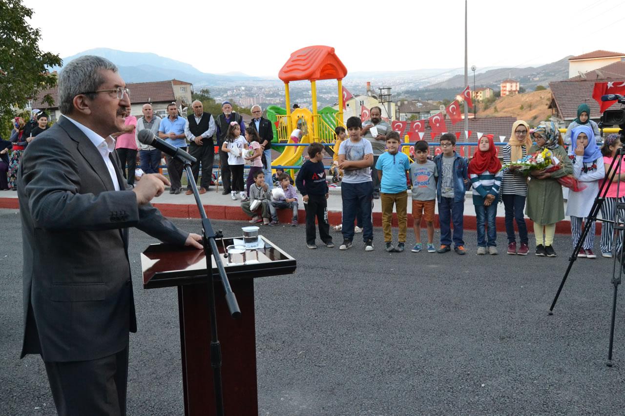 Yeni Park İçin Çocuklardan Başkan Vergili'ye Çiçekli Teşekkür
